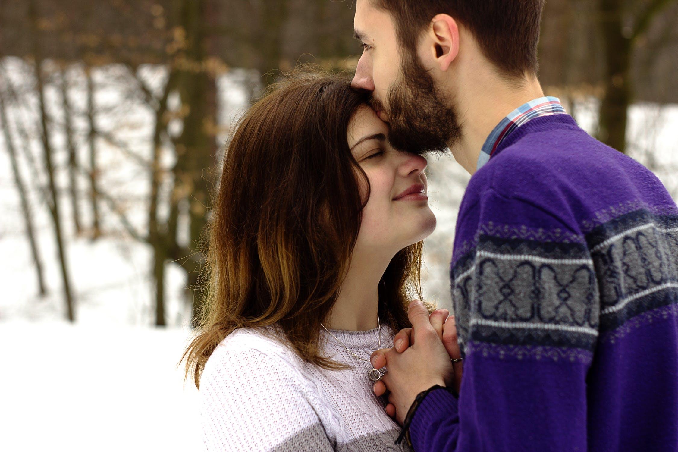 I baci alle diverse età: tutto quello che devi sapere [FOTO]