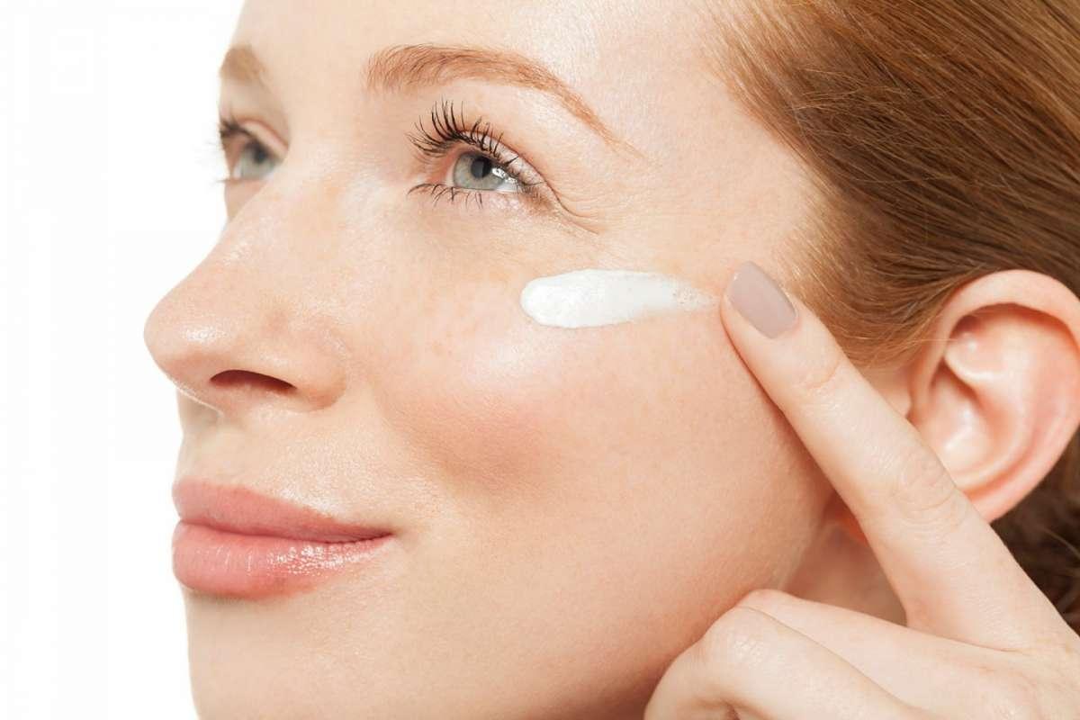 Creme viso con filtri solari UVA e UVB