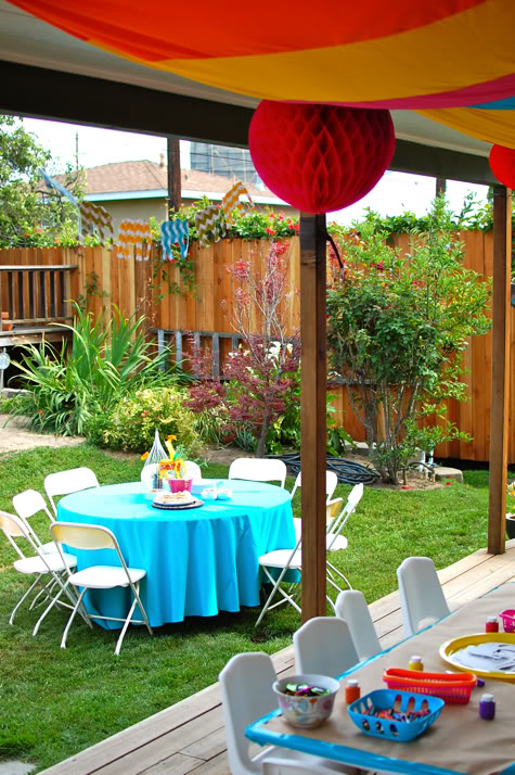 giardino decorato tende