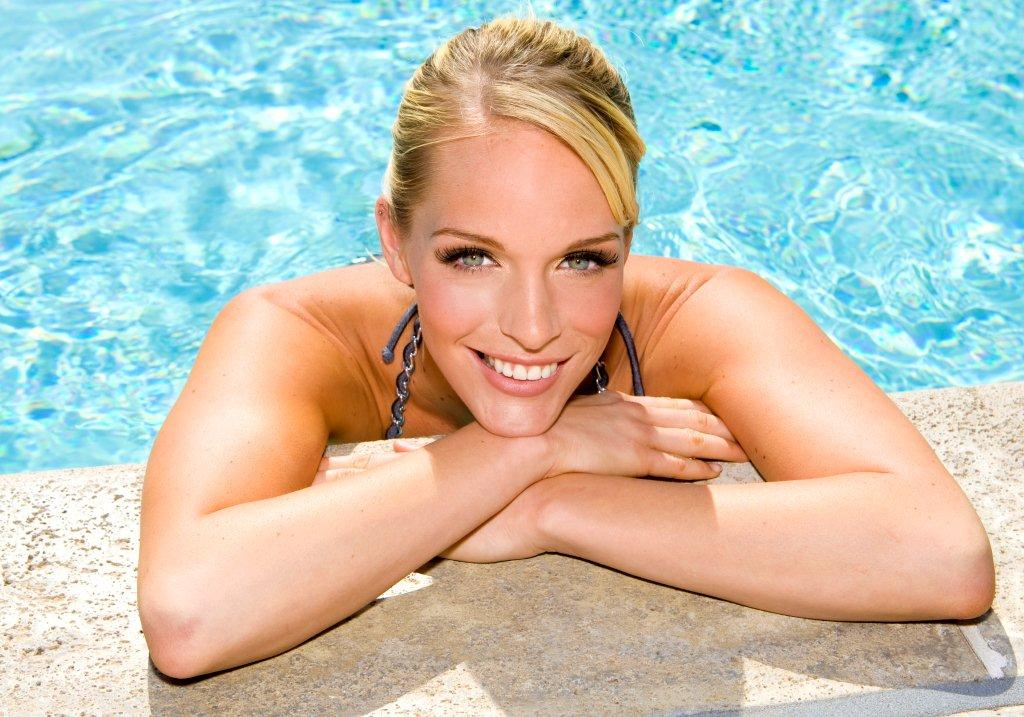 Trucco da piscina: per essere sempre perfetta
