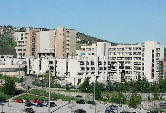 Donna morta durante l'intervento chirurgico a Potenza: sospesi medici e infermiere
