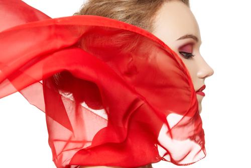 Come indossare il foulard: 5 modi per essere chic