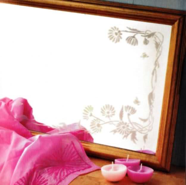 Stencil sullo specchio