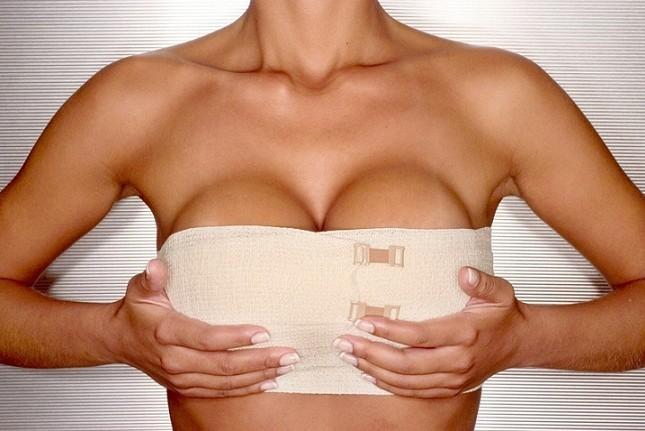 Chirurgia estetica: seno più grande solo per un giorno
