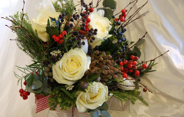 Centrotavola bouquet con fiori freschi invernali
