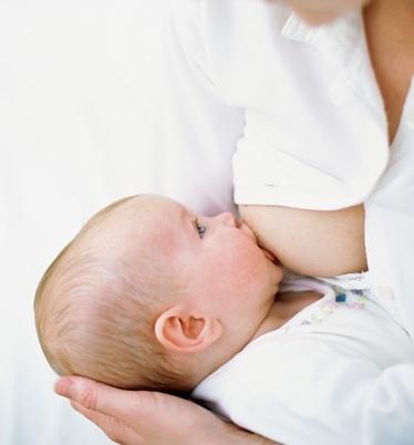 Montata lattea: sintomi, dolore e cosa fare se è in ritardo