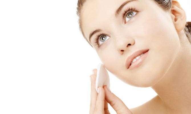 Tonici naturali per il viso: i prodotti migliori [FOTO]