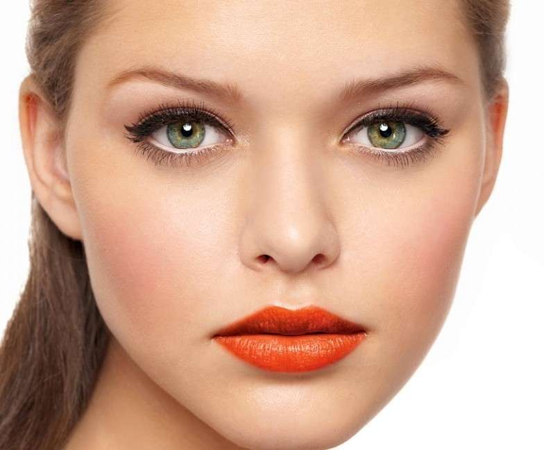 Come truccare gli occhi grandi: tutorial di bellezza [FOTO]