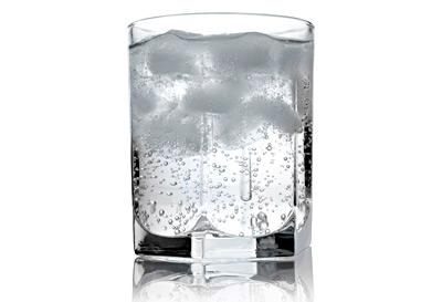 acqua frizzante m
