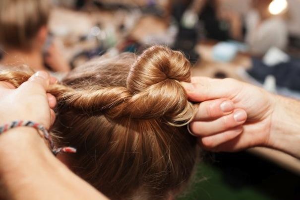 attorcigliare i capelli