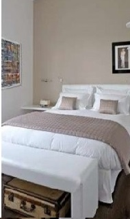 camera da letto dai toni chiari