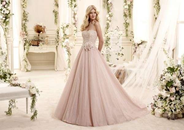 best service f5319 02be7 Abiti da sposa rosa: i modelli più fashion dalle collezioni ...