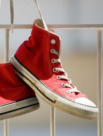 lavare scarpe in lavatrice la pulizia parte da terra_N2