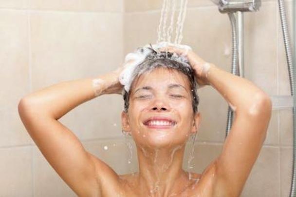 lavare troppo spesso i capelli
