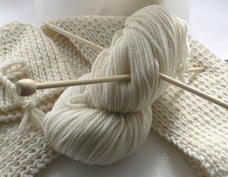 come fare una sciarpa di lana bianca