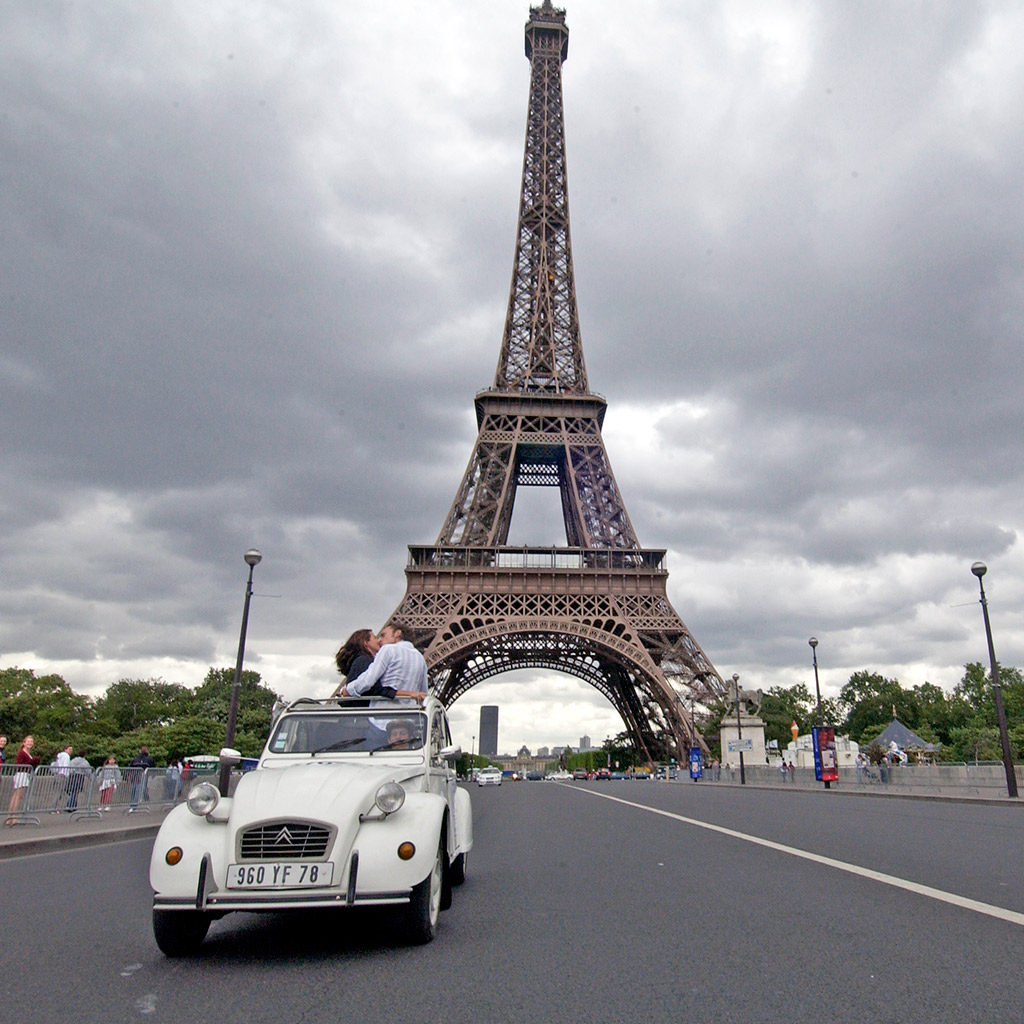 A Tour of Paris in a Citroen Classic