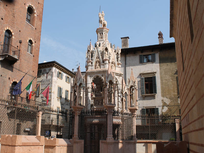 Arche Scaligere Gallery