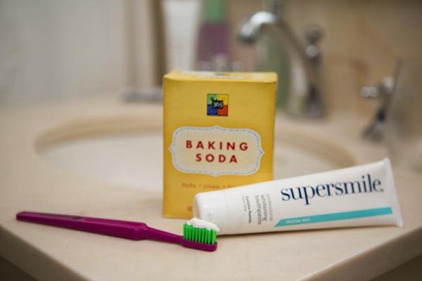 Il bicarbonato per lavare i denti