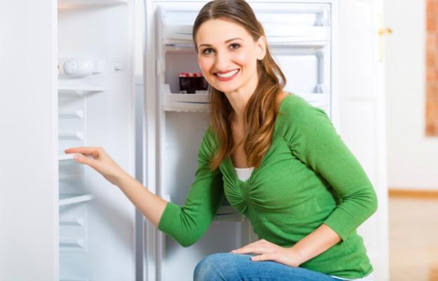 togliere i cattivi odori dal frigorifero