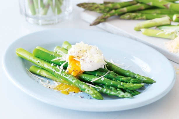 Asparagi alla milanese, ricetta light