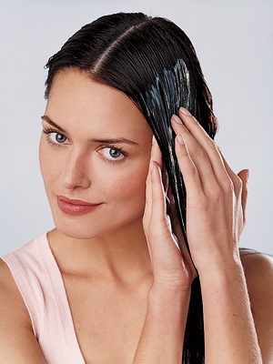 woman hair mask