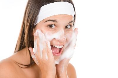 Lavare il viso troppo m k