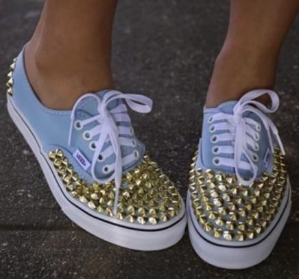 Sneaker borchie
