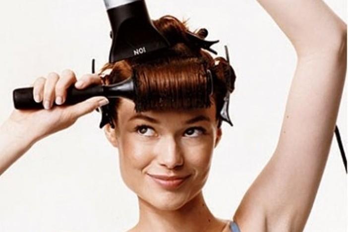 come fare la messa in piega ai capelli lunghi da sola_922c67459dc0f998e53a8d491c49050d
