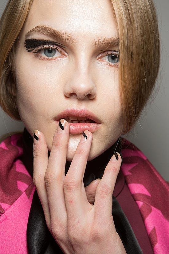 Nail art irregolare