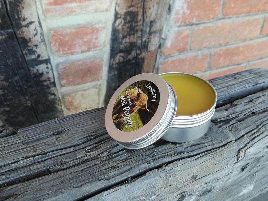 Pulire divano pelle cera d'api