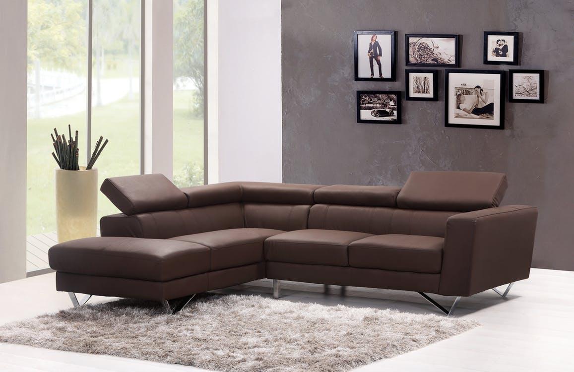 Come pulire divano in pelle: i rimedi naturali e non | Pourfemme