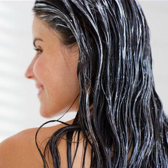 Maschera idratante per capelli