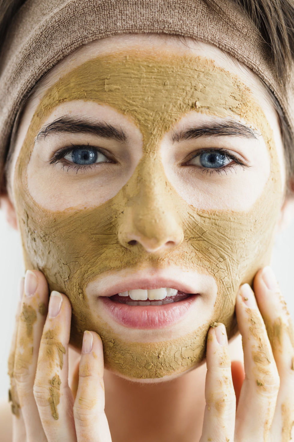 gallery 1434485868 girl in clay mask