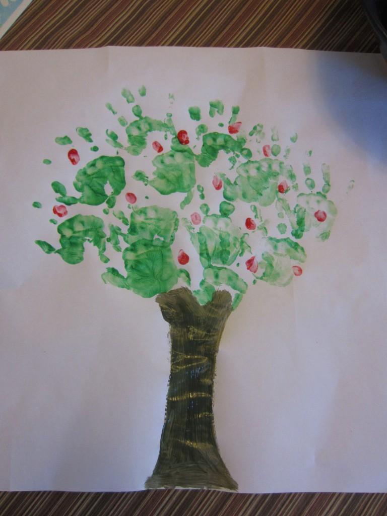 Albero con impronte