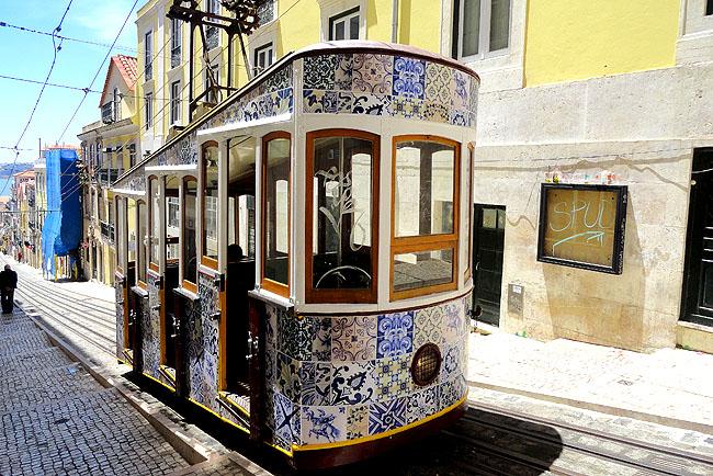 Lisboa bairro a bairro Bairro Alto Elevador