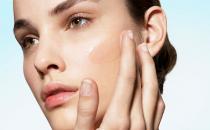 8 consigli per la pelle grassa in estate