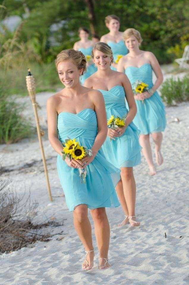 Matrimonio Sulla Spiaggia Outfit : Matrimonio in spiaggia come vestirsi consigli per l invitata
