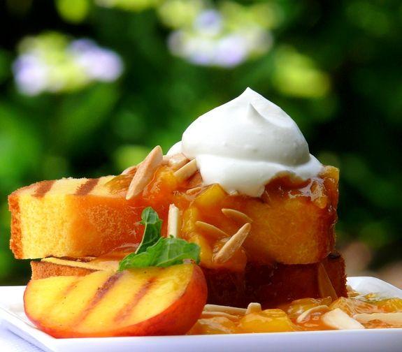 Frutta arrosto con crema fresca
