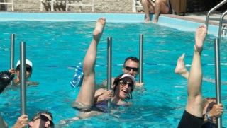 Acqua pole gym in piscina
