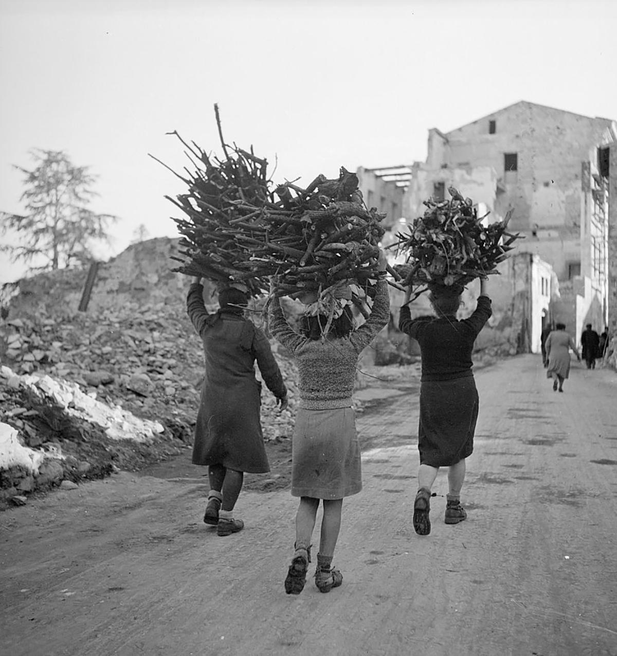 Donne nel dopoguerra