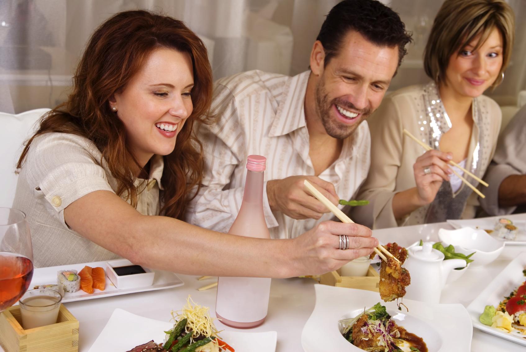 Mangiare sano fuori casa e in compagnia
