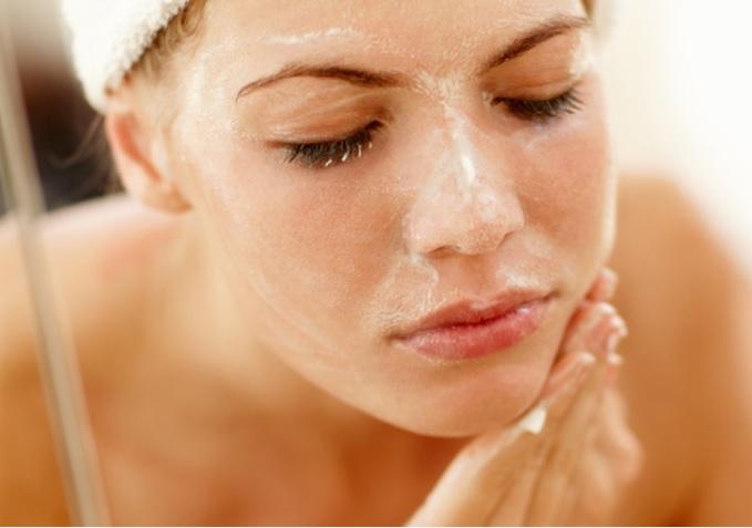 Scrub o gommage per il viso