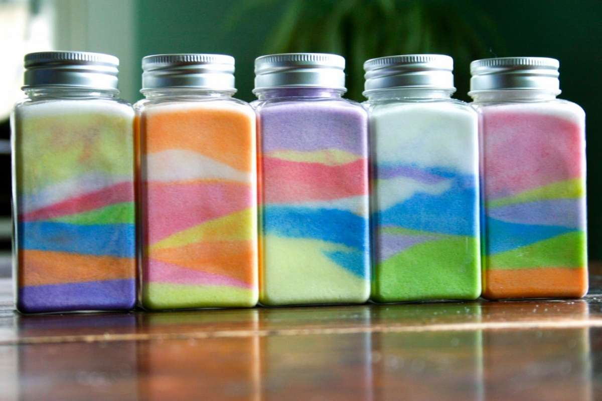 Lavoretti per bambini con il sale colorato: tante idee creative [FOTO]