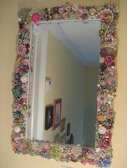 specchio decorato con le perline