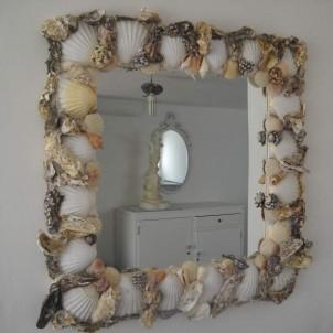 specchio rettangolare con le conchiglie