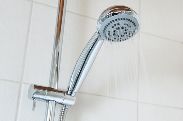 Come pulire soffione doccia