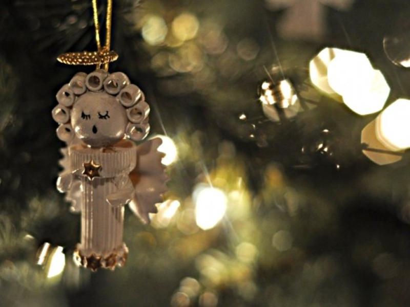 Decorazioni natalizie con la pasta