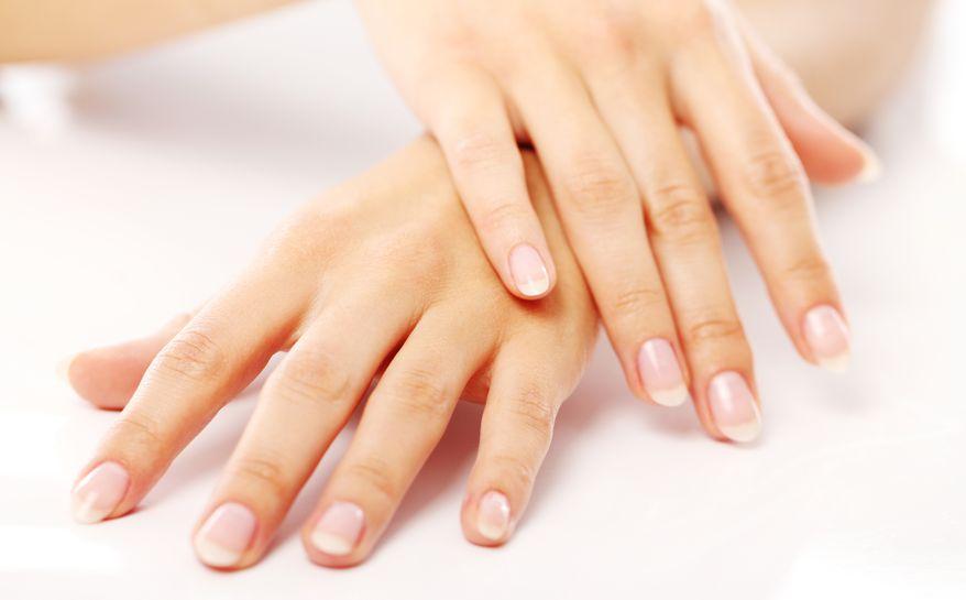 Mani fredde: cause e rimedi naturali