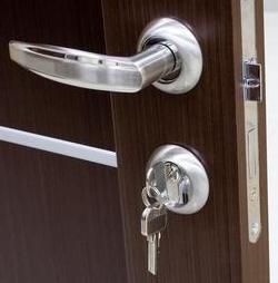 Sostituire serratura porta