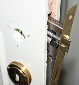 Togliere serratura porta
